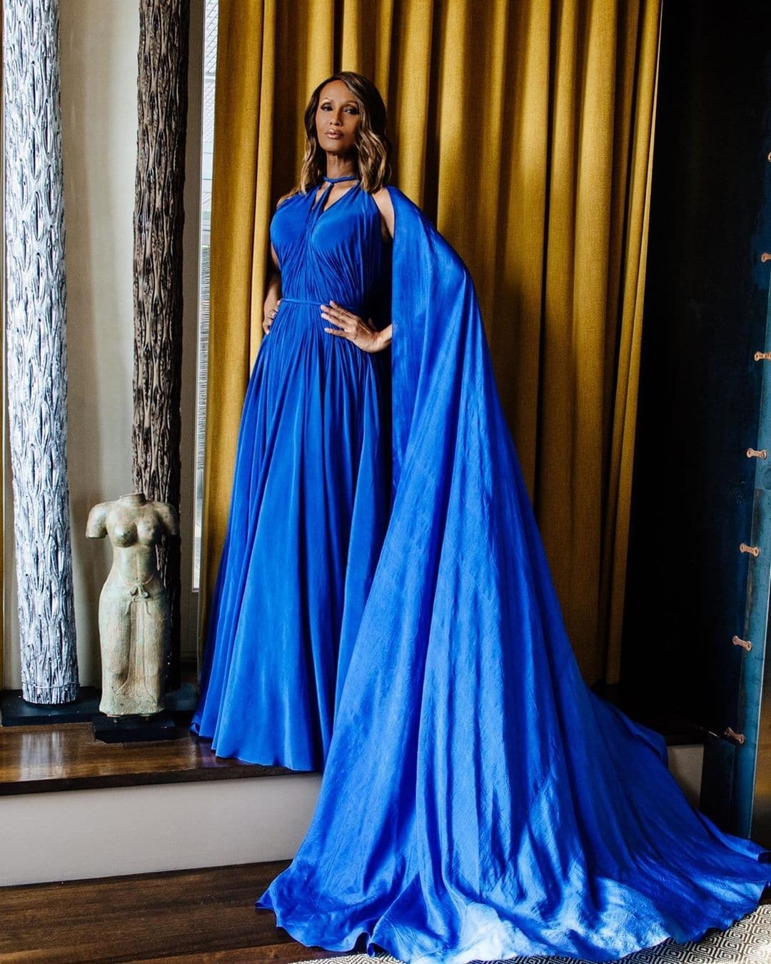 iman-how-to-wear-blue-with-style-pantone-colour-of-the-year-2020