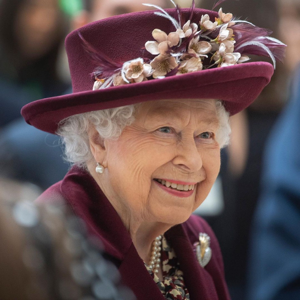 queen-elizabeth-breaks-silence-buhari-signs-financial-bill-man-united-latest-news-global-world-stories-monday-January-2020-style-rave