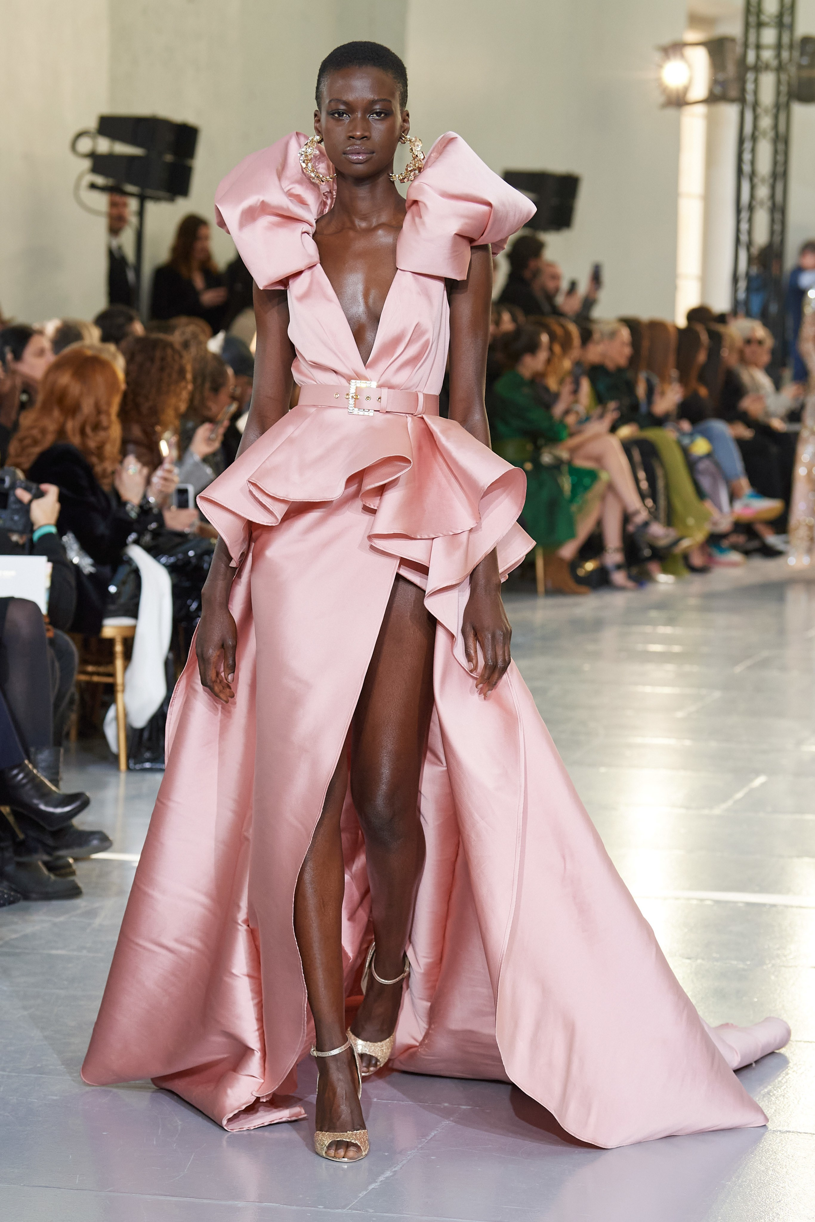 the-hautest-looks-at-the-paris-haute-couture-2020-fashion-week