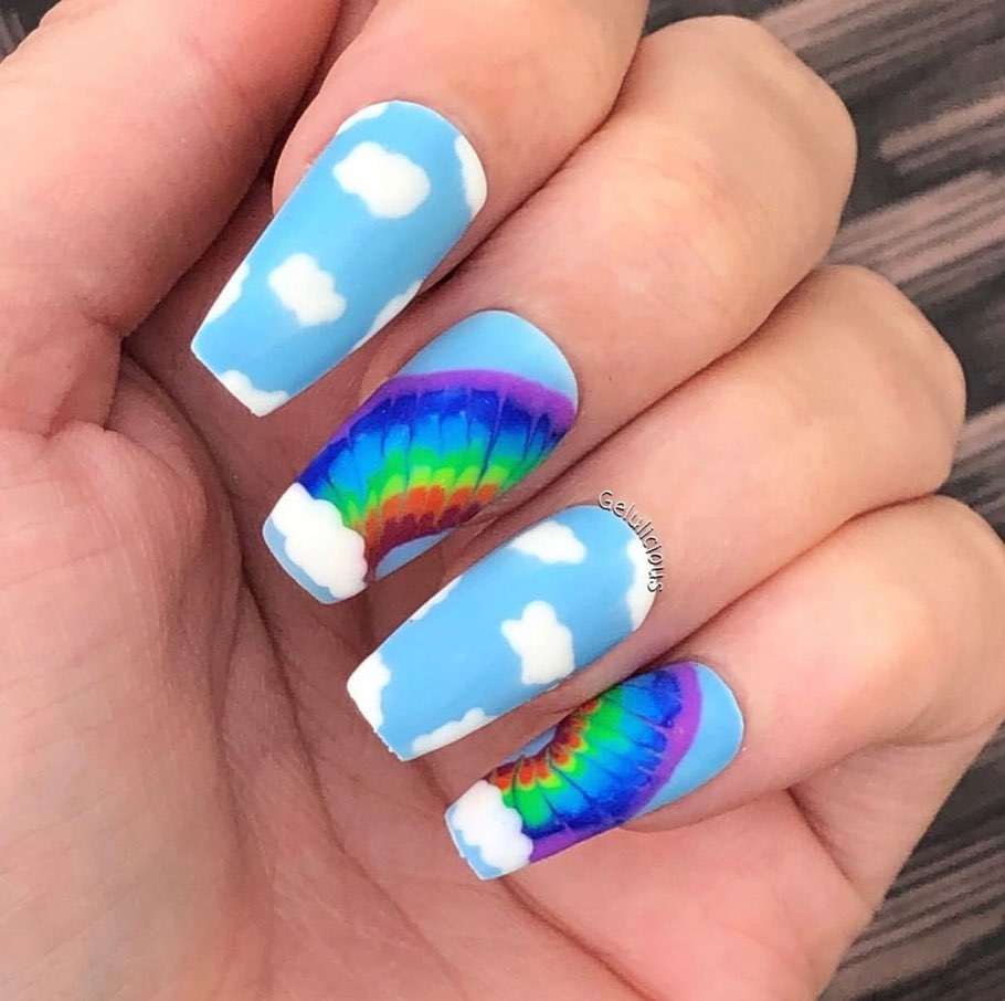 rainbow-cloudy-manicure-style-rave