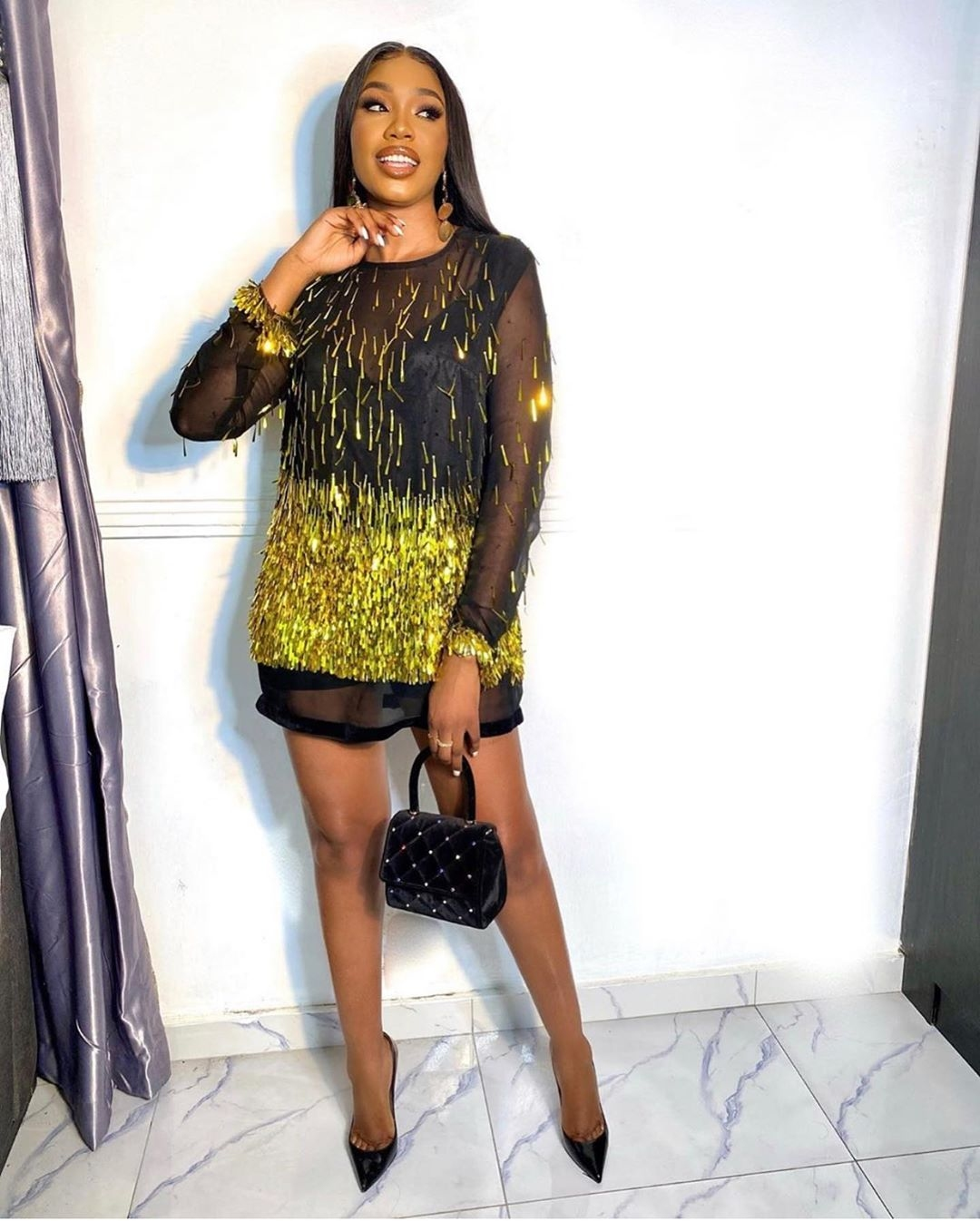 sharon-ooja-black-gold-short-dress-21-valentines-day-outfit-ideas-that-will-have-him-wowed