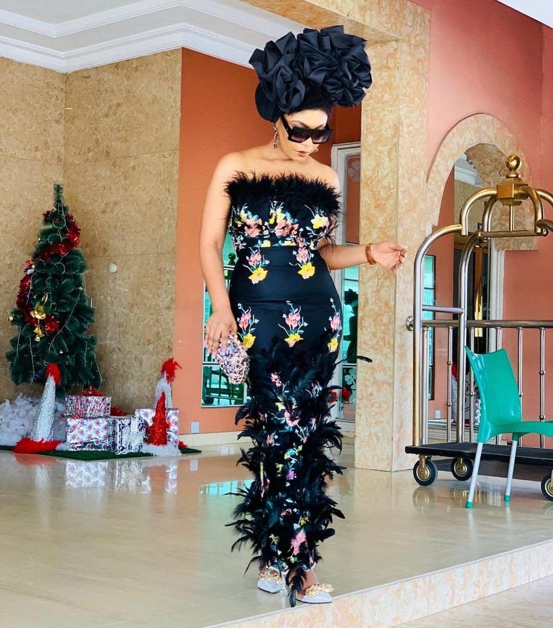 rhonkefella-black-floral-chic-looks