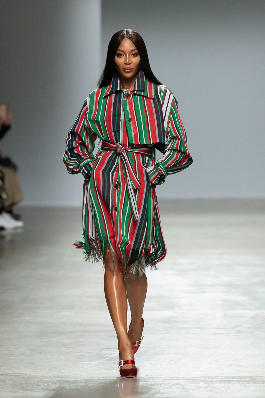 duba-fi-10-kayan-kwalliyarmu-daga-kenneth-ize-debut-tarin-a-paris-fashion-week-aw20-show