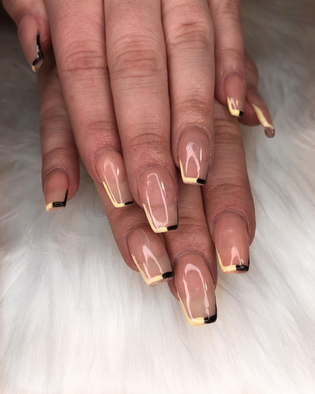 nude-outline-nail-polish-style-rave