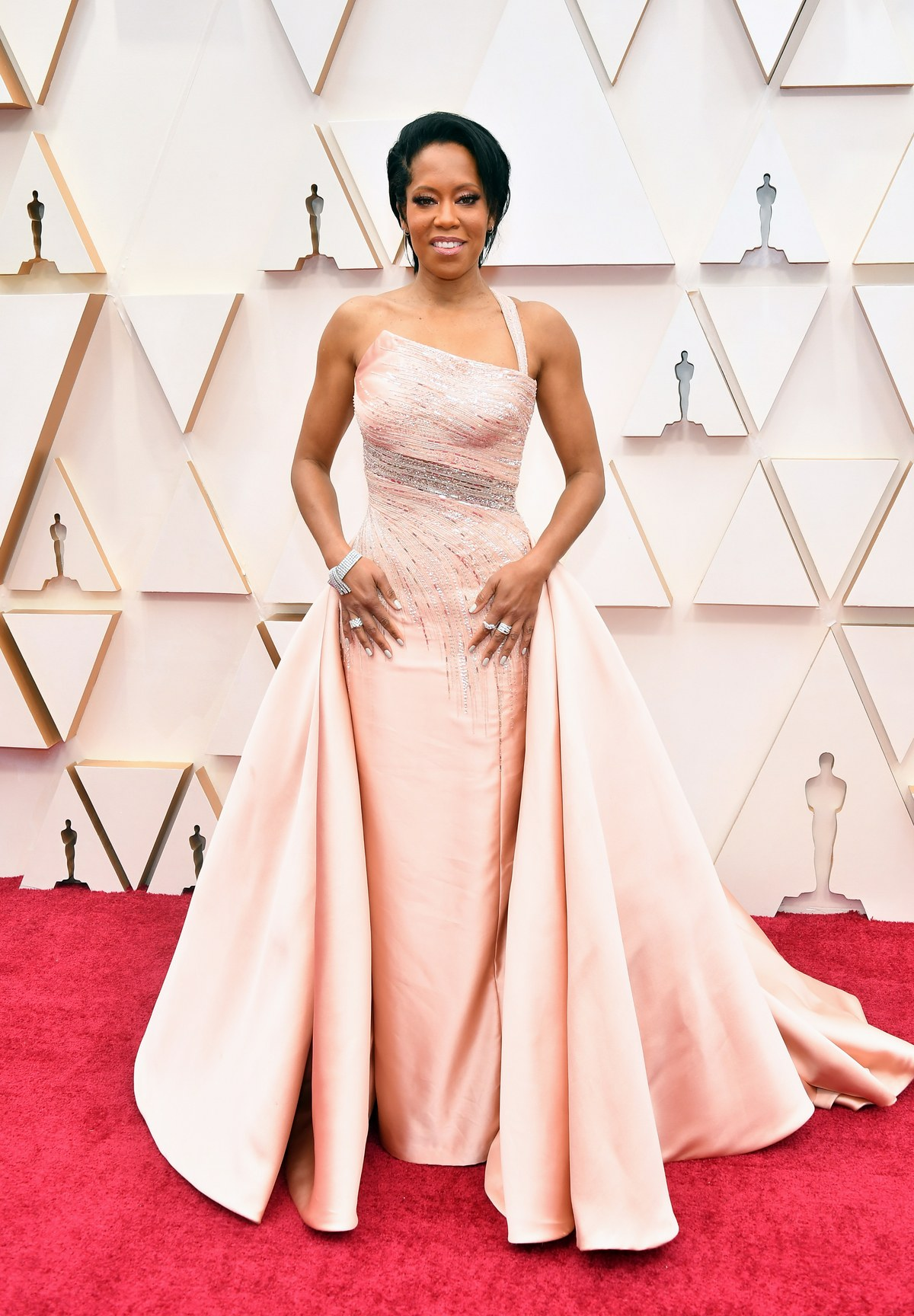 The-most-rave-worthy-looks-from-the-oscars-2020-red-carpet-theravelist