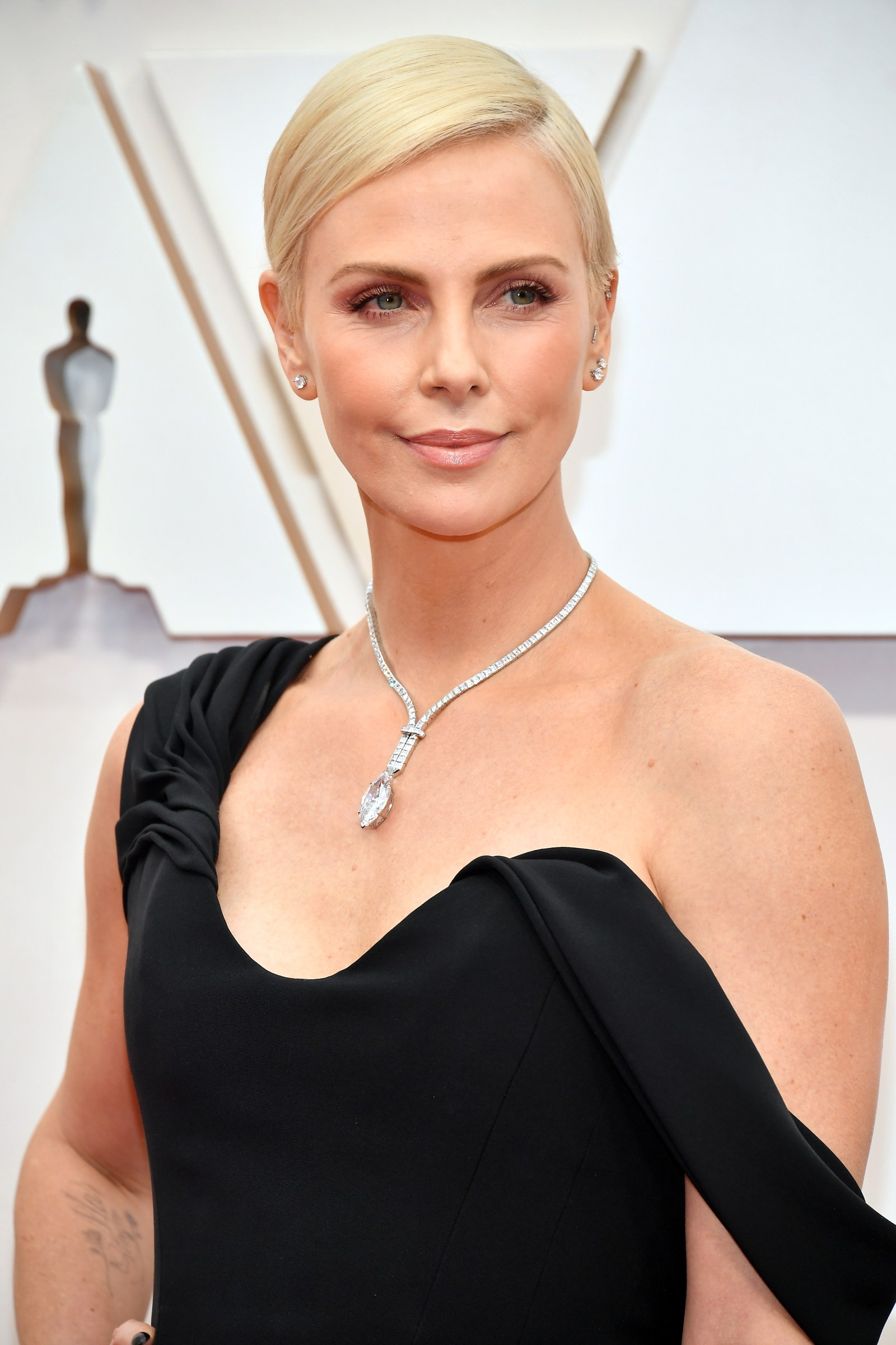 nude-face-beat-oscars-best-beauty-looks-from-2020-oscars