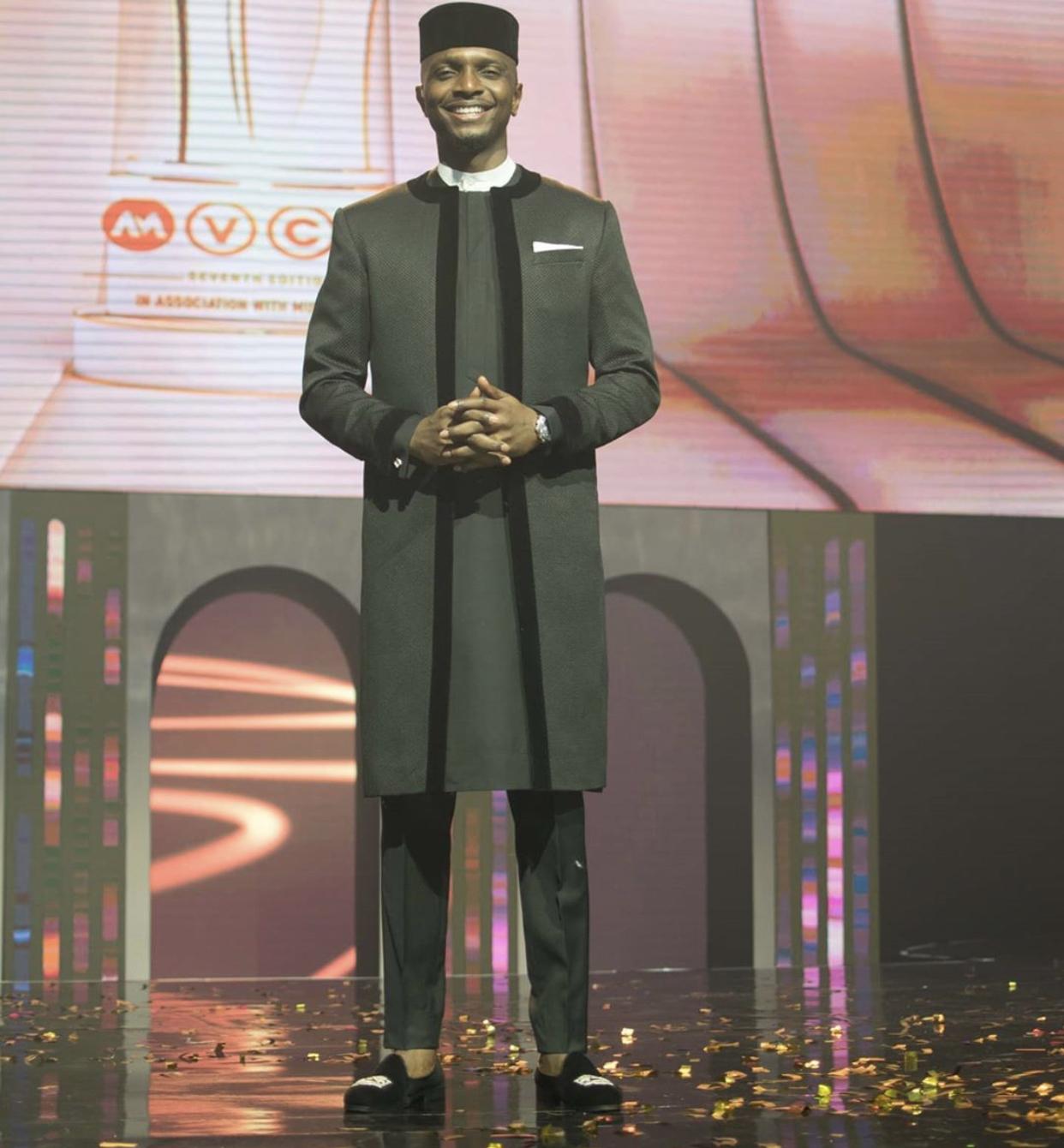 2020-amvcas-best-dressed-men-theravelist