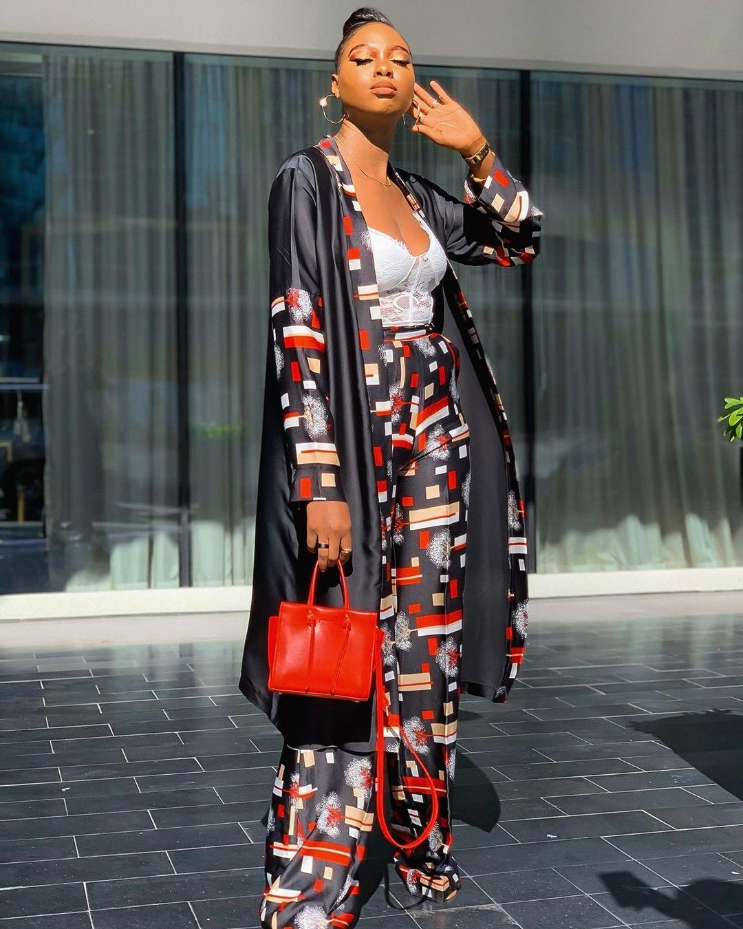 Ola's two-piece geometric print kimono set