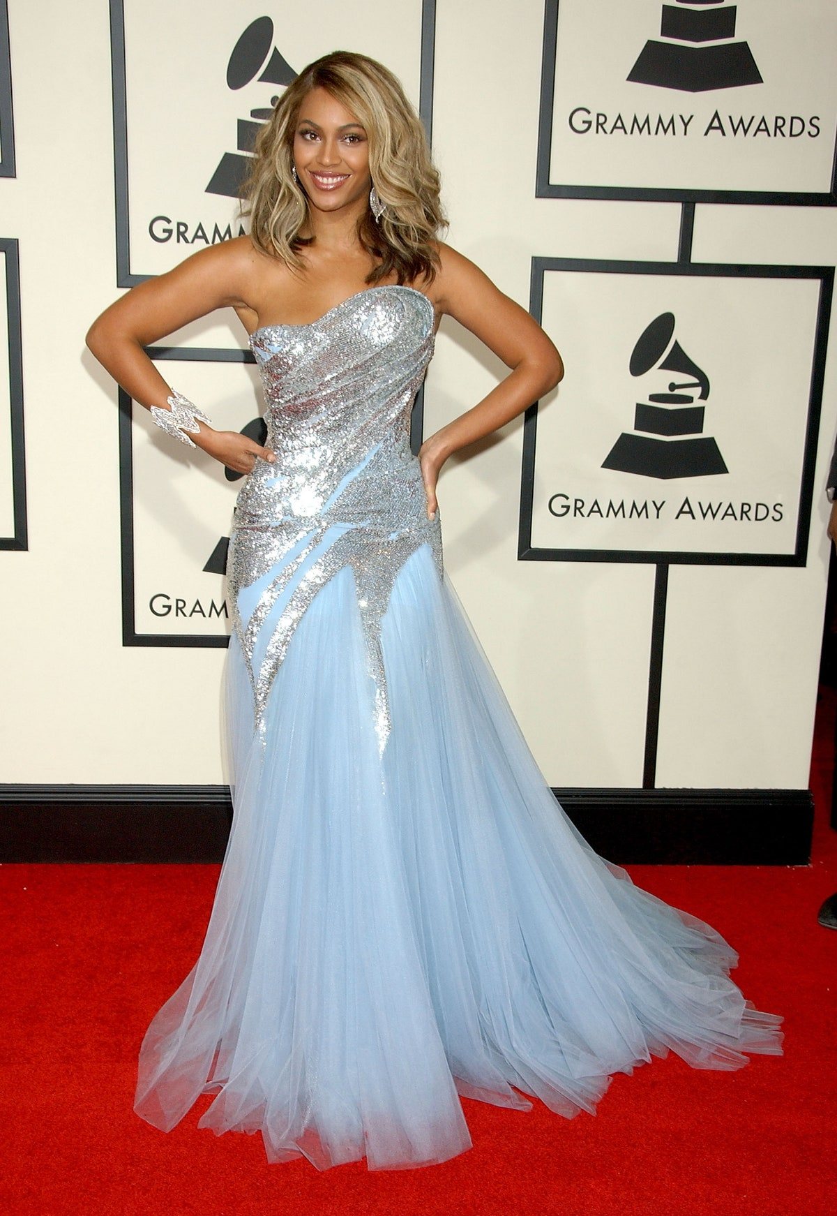 elie saab icy blue dress as seen on beyonce at the grammy awards 2008