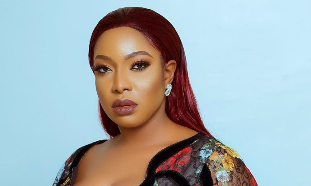 chika-ike-donates-less-privilege-coronavirus-40-health-workers-infected-coronavirus-eric-dier-charged-latest-news-global-world-stories-fr