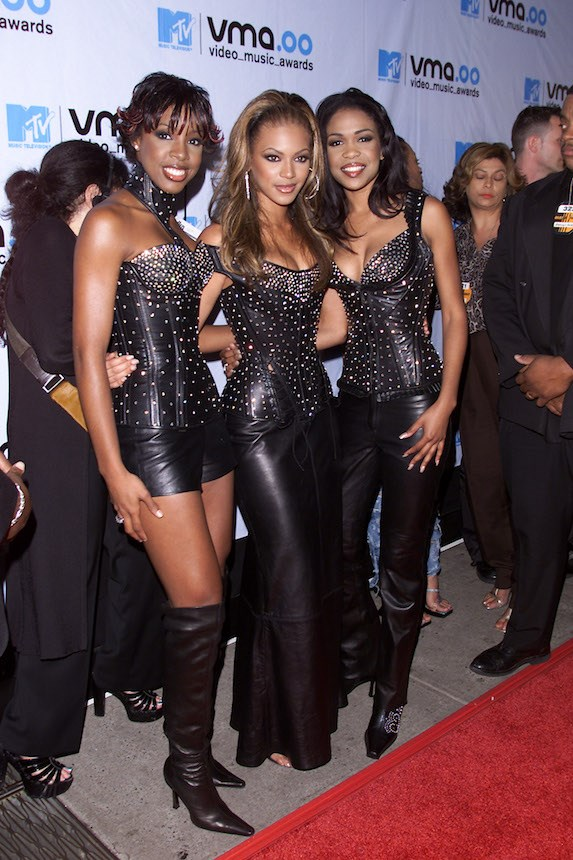 evolution-of-beyonce-knowles-red-carpet-fashion-style-2000-bootylicious