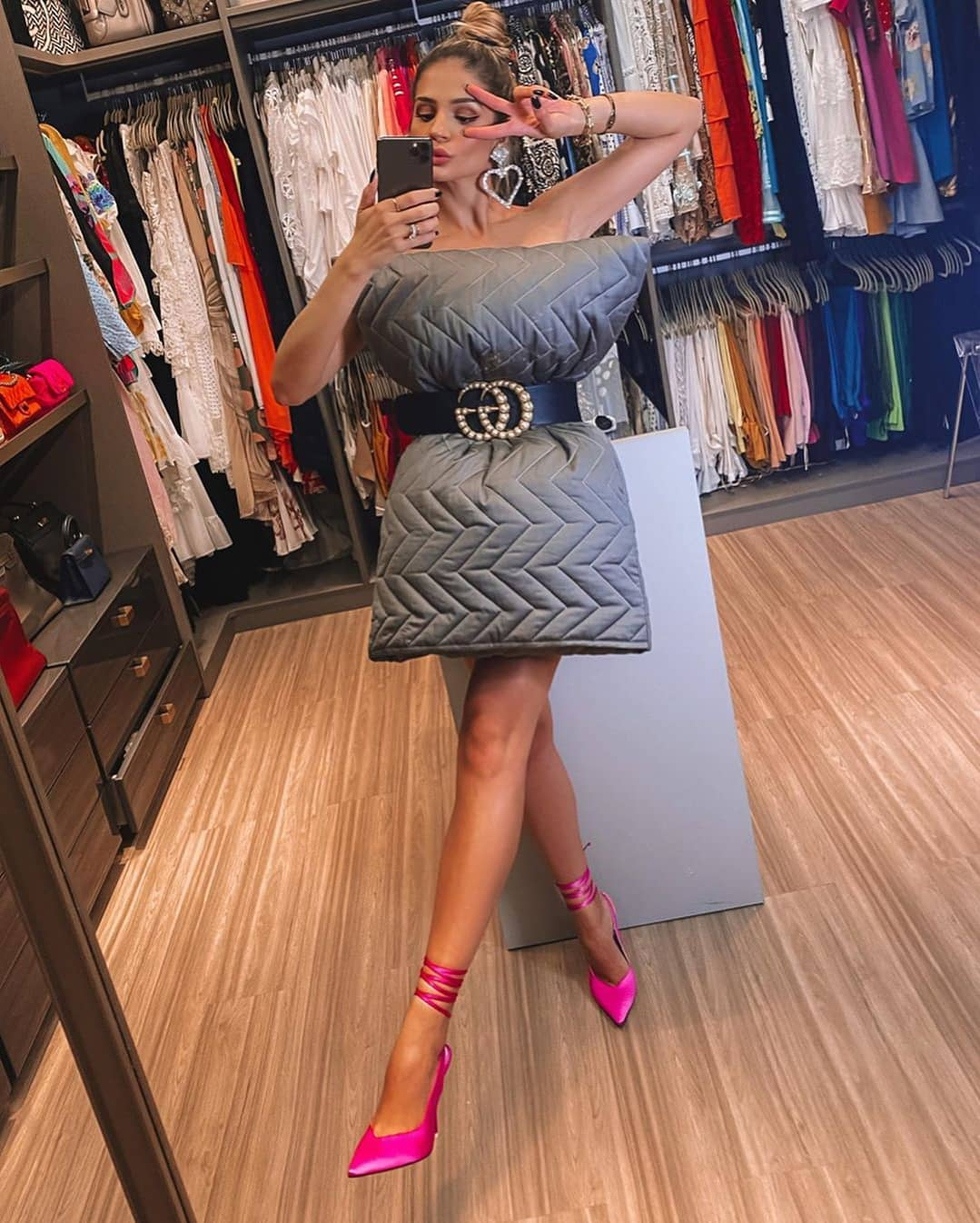 Thassia Naves grey quilted beddings pink shoes