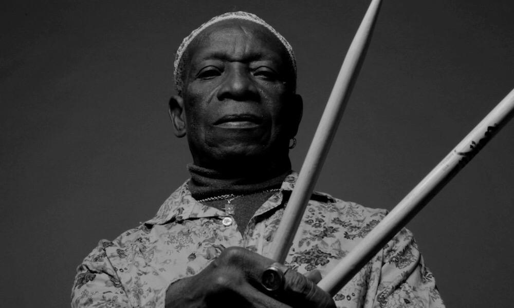 Nigeriese-celebrity-nuus-tony-Allen-Afrobeat-pionier-dood-dood is-gesigsmasker-wet-Lagos-Nigerië-Anthony-Joshua-vs-Tyson-woede-stryd-nuutste-nuus-globale-wêreld-stories-friday- Mei-2020