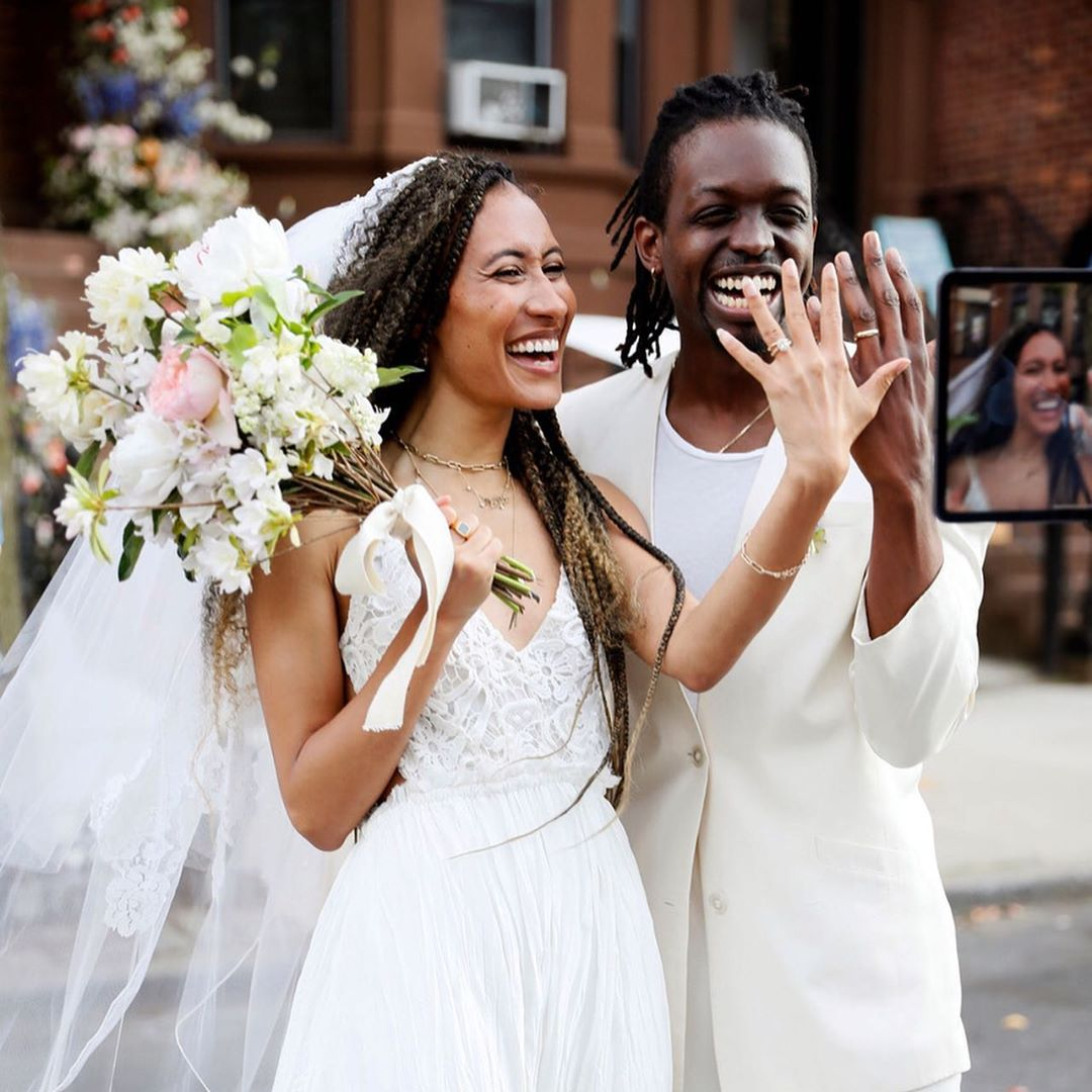 elaine-welteroth-and-jonathan-singletary-join-the-zoom-wedding-trend-on-their-brooklyn-stoop