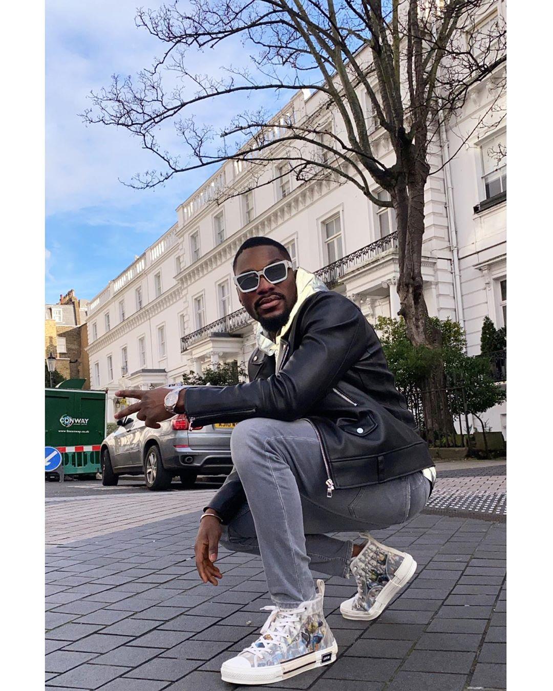 -nxibe kakuhle-eyona fashoni-isemgangathweni-e-afrika-eyamadoda-abantu abaziwayo-isimbo-i-rave