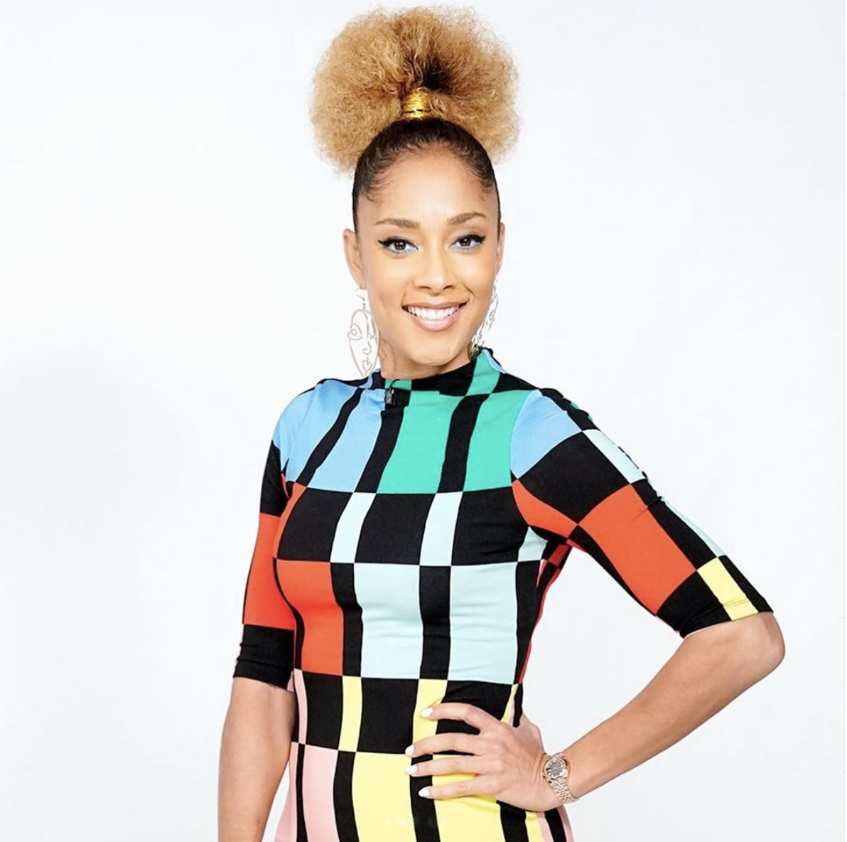 Amanda Seales Natural Blonde Hair Bun Style Rave