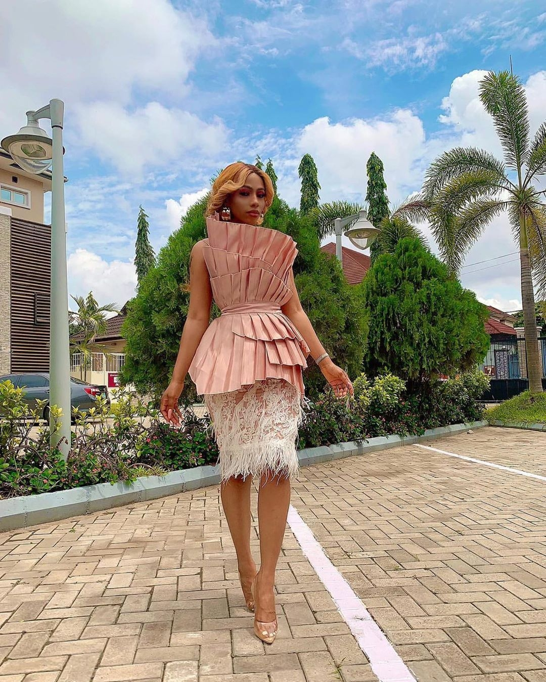 Instagram Fashion Influencers And Style Stars Serve Chic And Stunning Looks