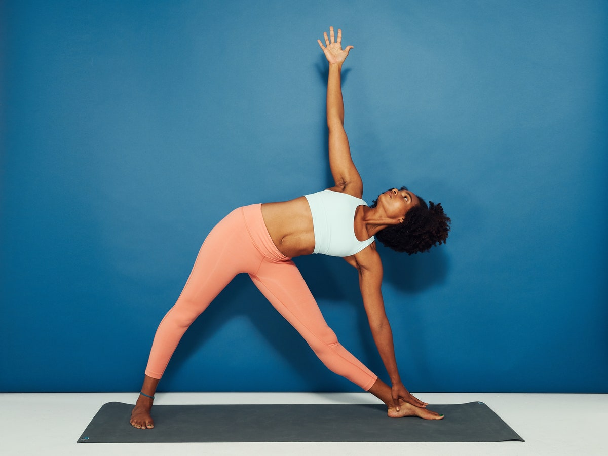triangle-pose-beginner-yoga-katie-thompson-style-rave