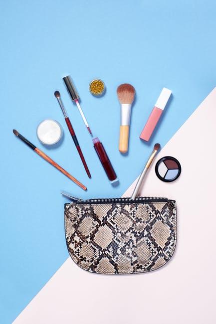 how-to-organize-your-purse-handbag-organization