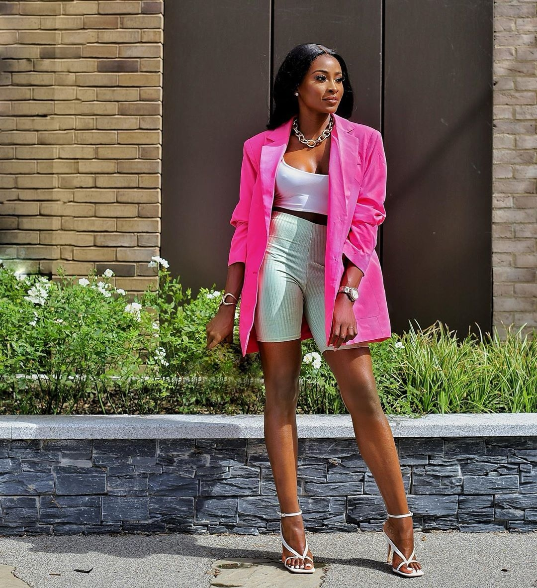how to style pink fuchsia blazers