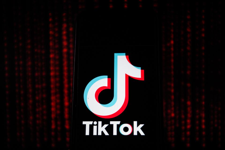 simi-apologizes-to-lgbt-community-microsoft-to-buy-tiktok-iker-casillas-retires-latest-news-global-world-stories-tuesday-august-2020-style-rave