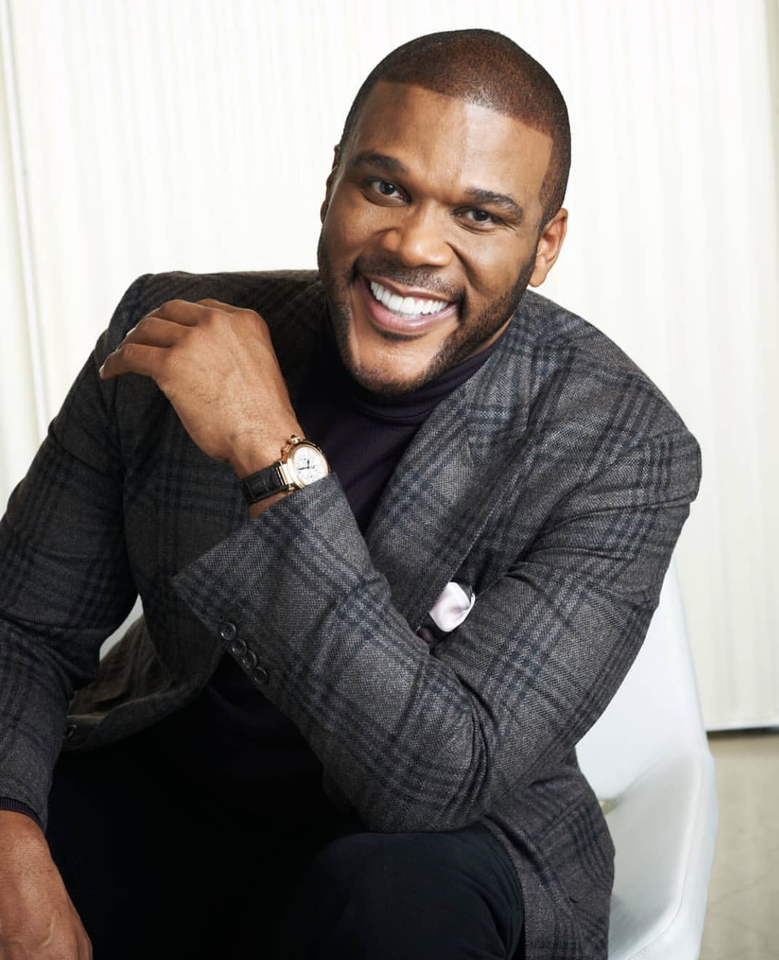 Tyler-Perry-net-worth-self-made-billionaire