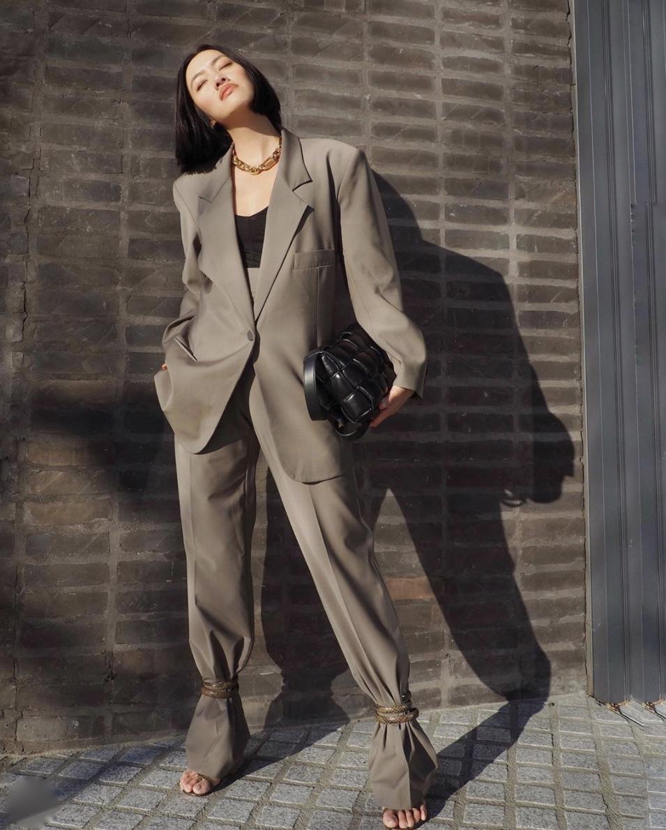 Tiffany Hsu ankle tie trousers oversized blazer stylerave