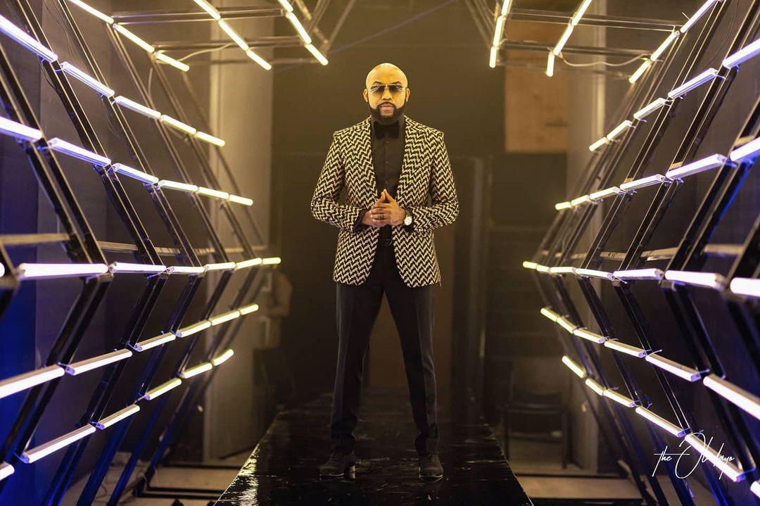 banky-wellington-2020-suit-mtn-yello-star