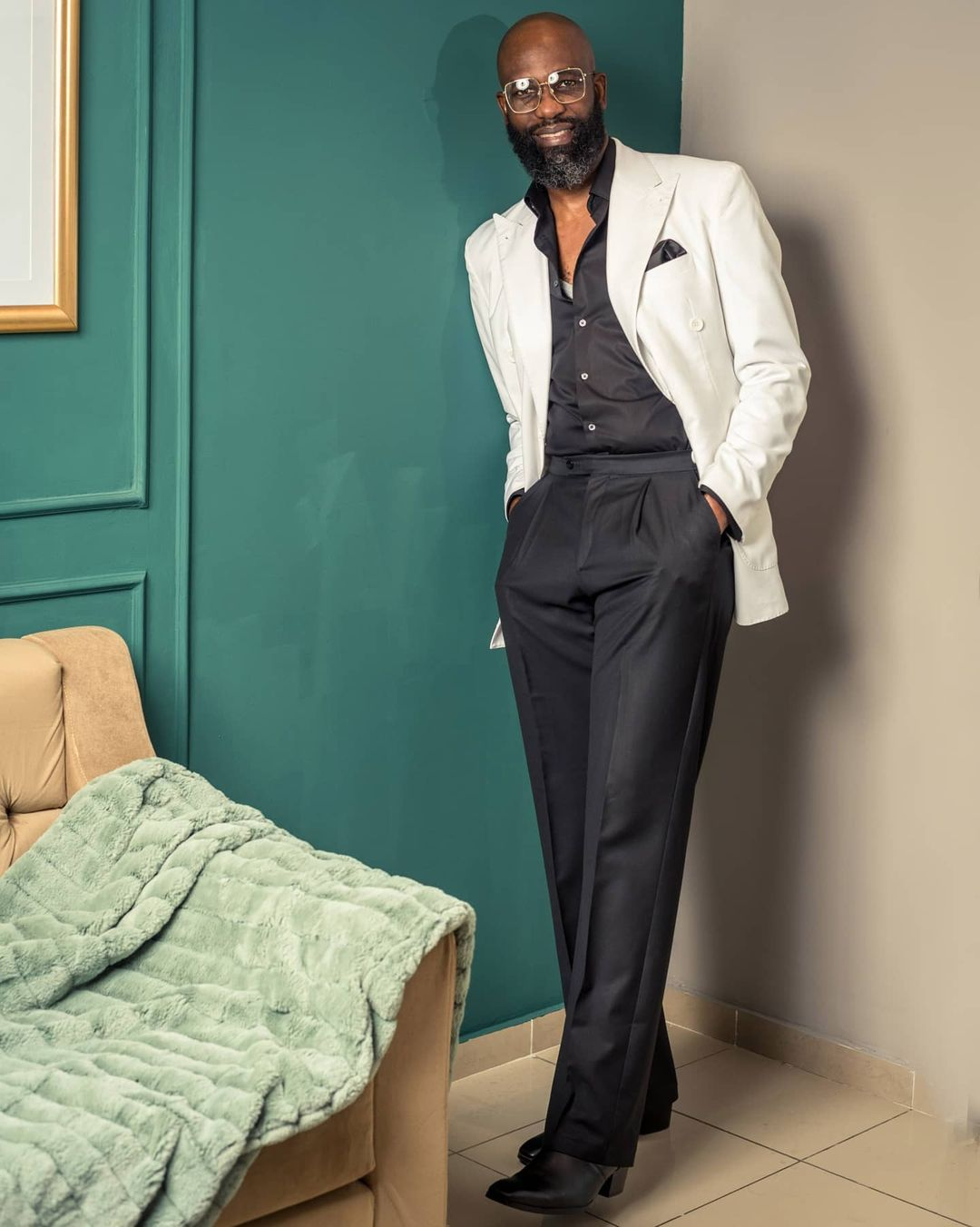 best-men-style-ankara-suit-nigerian-celeb-mai-atafo
