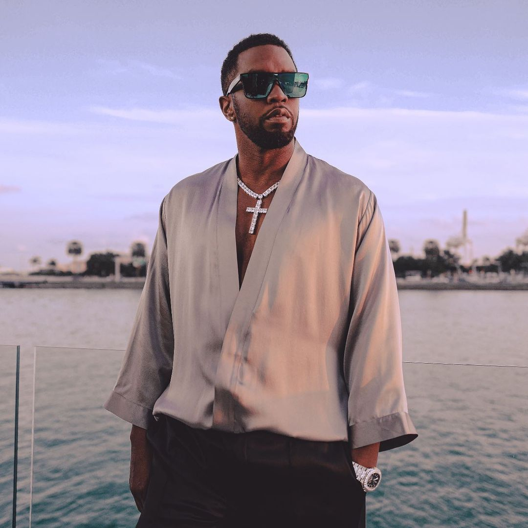 diddy-cancels-new-year-eve-party-rmd-wedding-anniversary-everton-man-city-match-canceled-latest-news-global-world-stories-tuesday-december-2020-style-rave