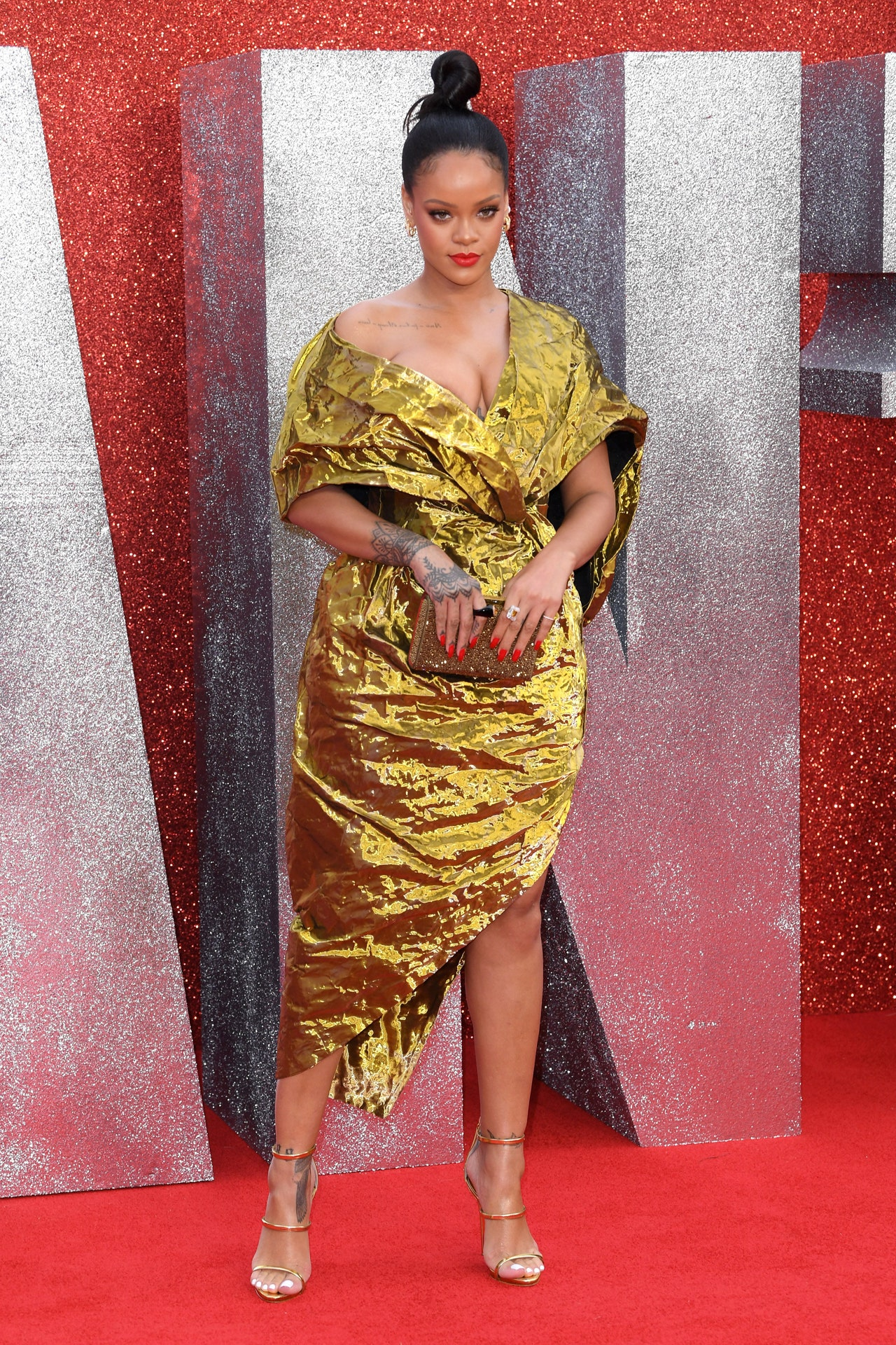 A Look At Rihanna's Style As She Celebrates Her Birthday ...