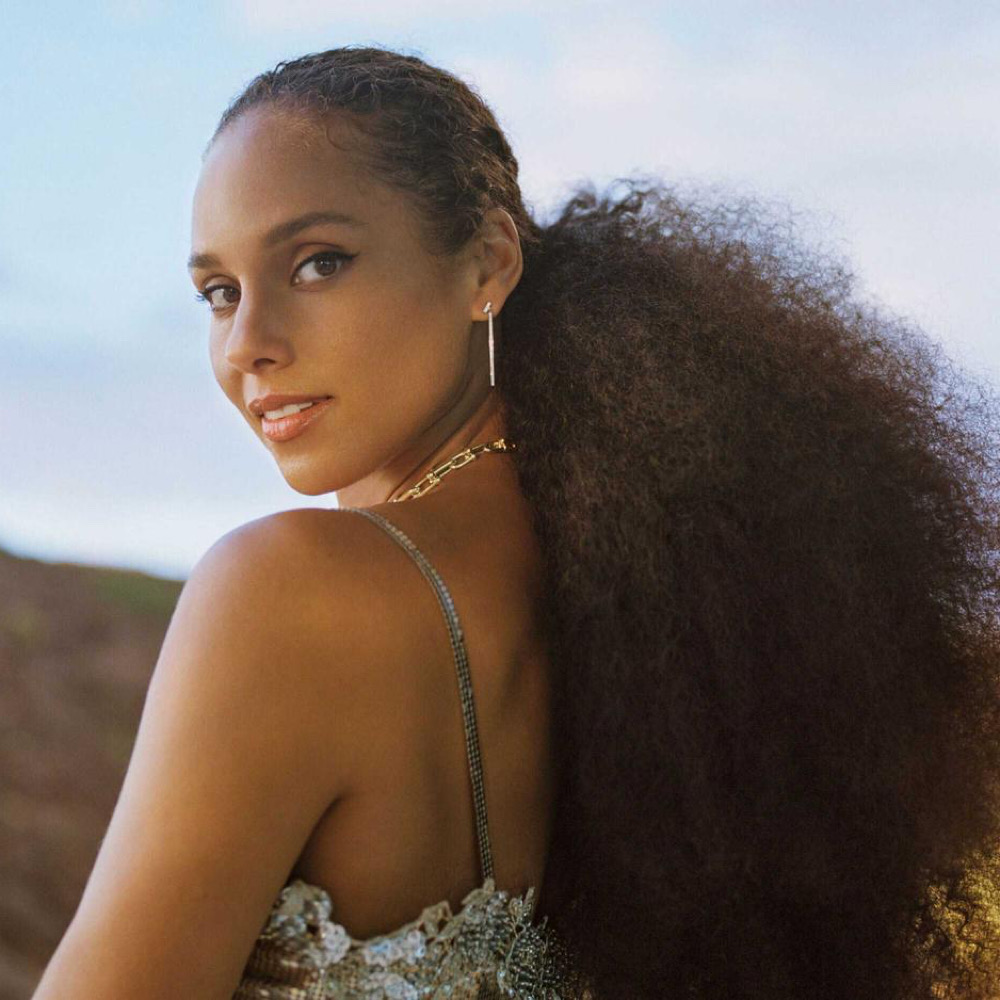alicia-keys-poses-for-allure-magazine-april-2021
