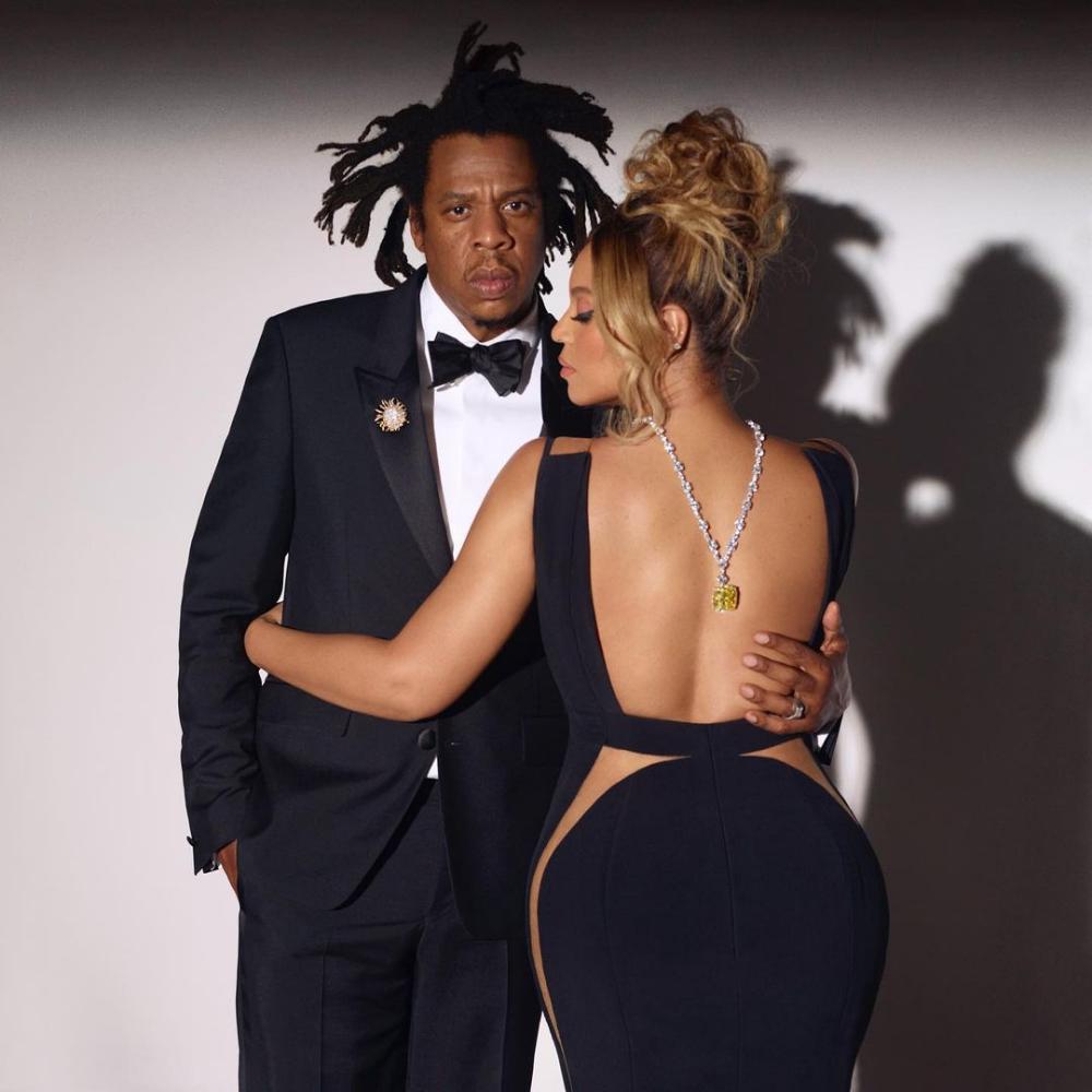 Beyoncé-wears-the-tiffany-diamond