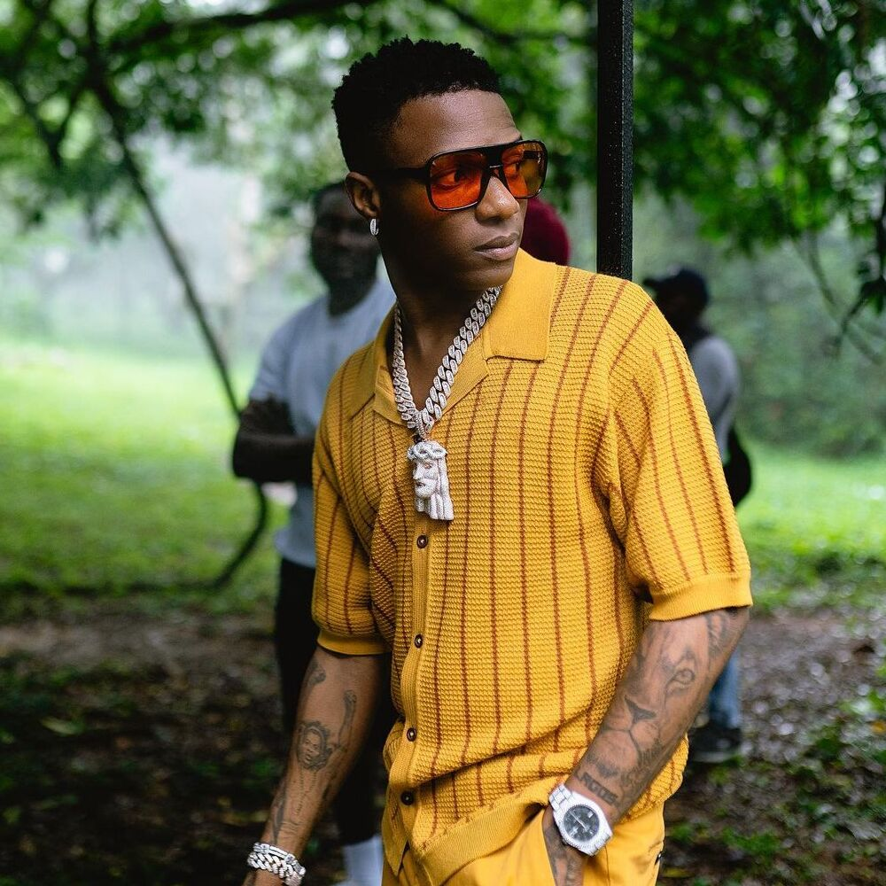 wizkid-essence-certified-gold-us-style-rave