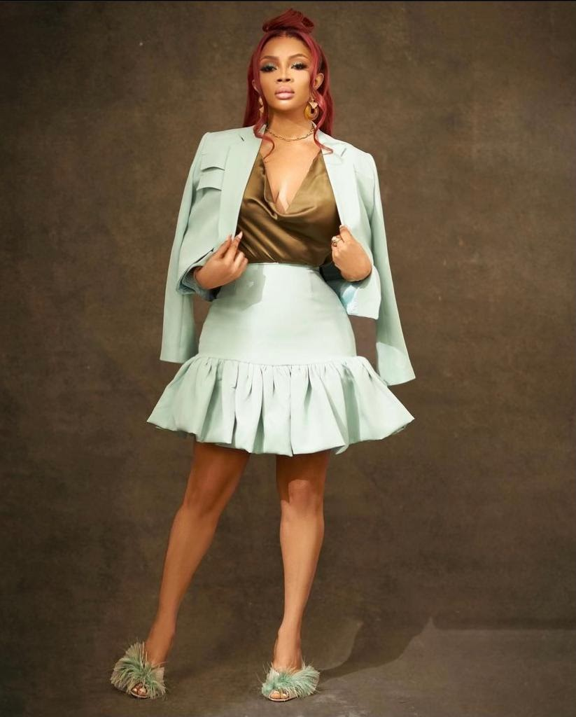 toke-makinwa-the-buzz-show-outfits-style-rave