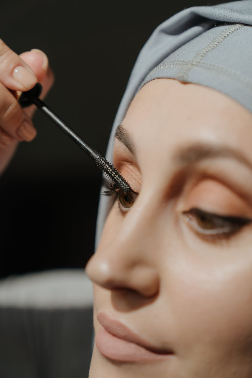 mascara-mistakes-you-might-be-making-and-should-avoid